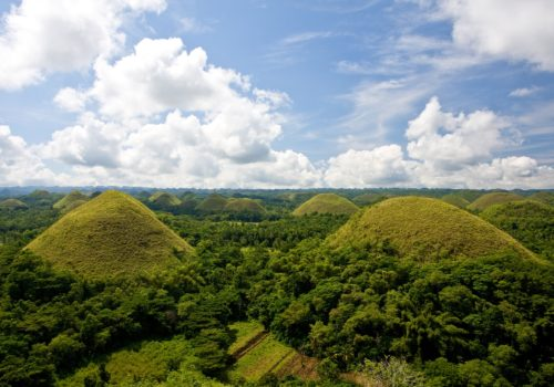 Philippinen_Chocolate Hills (c) Philippine Department of Tourism