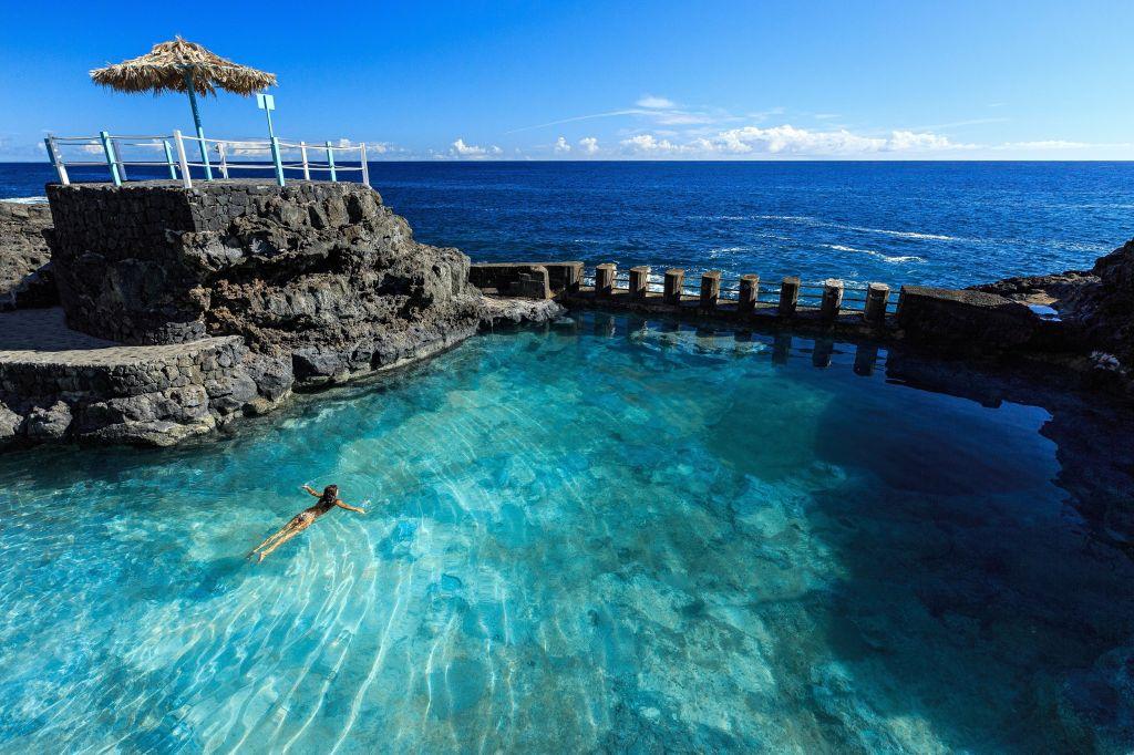 """Im Nordosten der """"La Isla Bonita"""", in Barlovento und San Andrés, befinden sich die bekannten Naturschwimmbecken La Fajana und Charco Azul."""