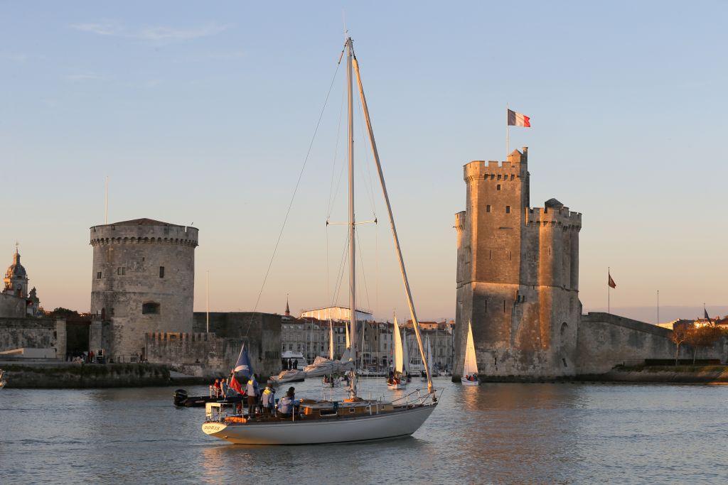 Unweit der Heimat der berühmten Weine findet sich direkt am Atlantik ein wahres Schmuckstück: La Rochelle, die Hauptstadt des Départements Charente-Maritime.